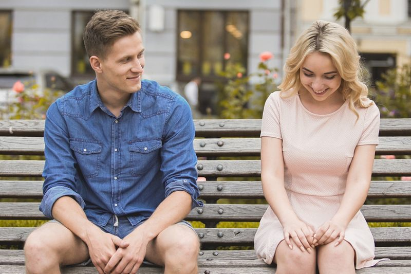 Know guys things about girls should 14 Awkward